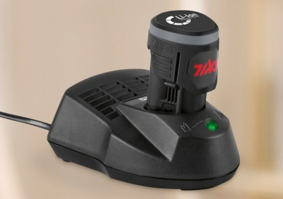 Аккумуляторный триммер Skil Easy Storage 0738 + кусторез 0758 (комплект садовых аккумуляторных инструментов Skil 0078 AR)