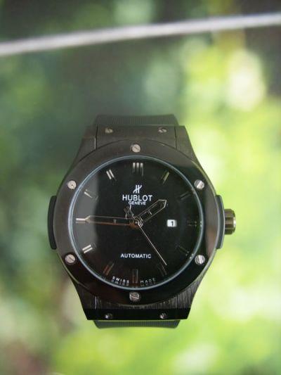 Часы наручные мужские HUBLOT Classic Fusion 581.CM.1110.RX реплика