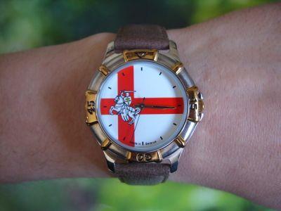 """Часы наручные """"Герб Погоня"""" 294 на руке"""